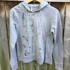 Denim & Co grey graphic hoodie - size L